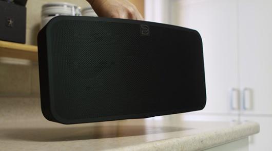 Pulse_mini-speaker-mobile